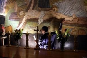 Man Praying to Jesus